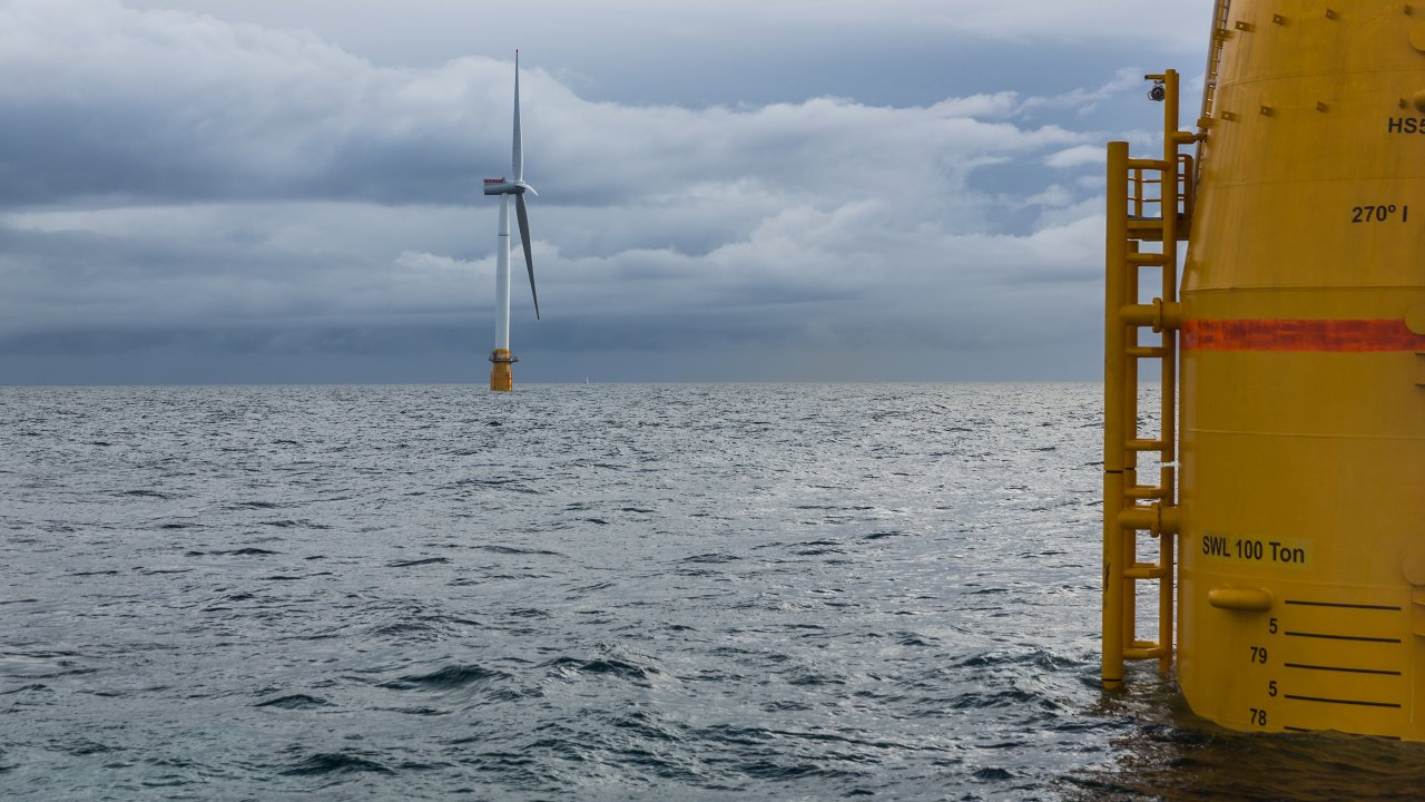 MEMBER NEWS: Hywind Scotland remains the UK's best performing offshore wind farm